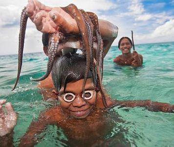 ''Badjao. Duchy z morza'' - ludzie-ryby z Borneo