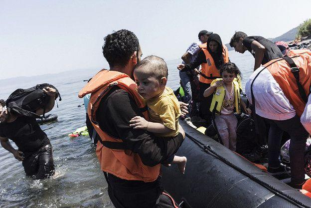 Tak UE powstrzyma falę imigrantów? Druga faza operacji na Morzu Śródziemnym