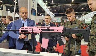 Cywilny Grot S16 w różowej wersji