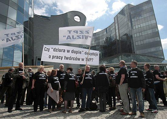 """""""Dziura w d... decyduje?"""" - ostry protest w Warszawie"""