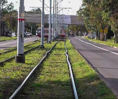 Niebezpieczny efekt upałów. Zdeformowane torowiska i opóźnione pociągi
