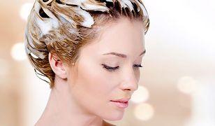 Jak zregenerować włosy – domowe sposoby na zdrowe i lśniące włosy