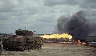 Czołg Churchill Crocodile w akcji w sierpniu 1944 roku