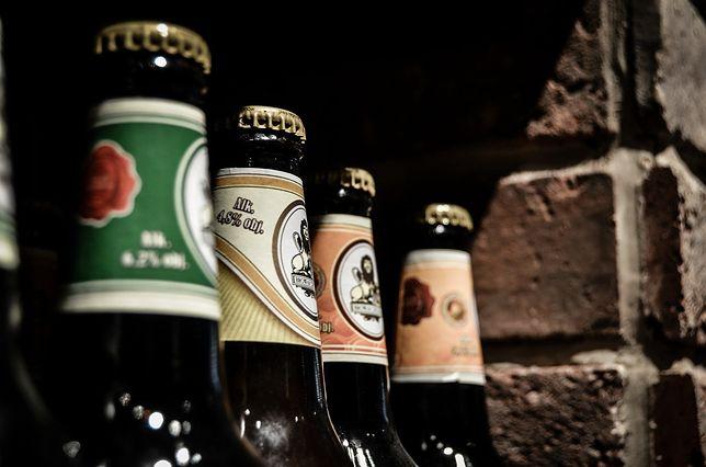 Śląskie. Za sprzedaż alkoholu nastolatkom 67-letnia kobieta z Tarnowskich Gór odpowie przed sądem.