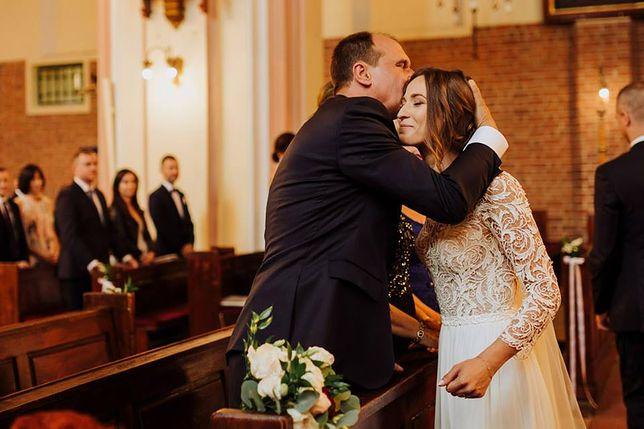 Paweł Kukiz pochwalił się zdjęciami ze ślubu córki. Był naprawdę wzruszony
