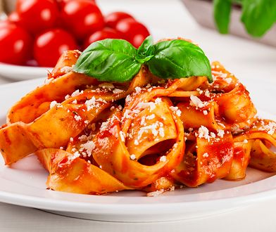 Makaron tagliatelle z sosem bolońskim