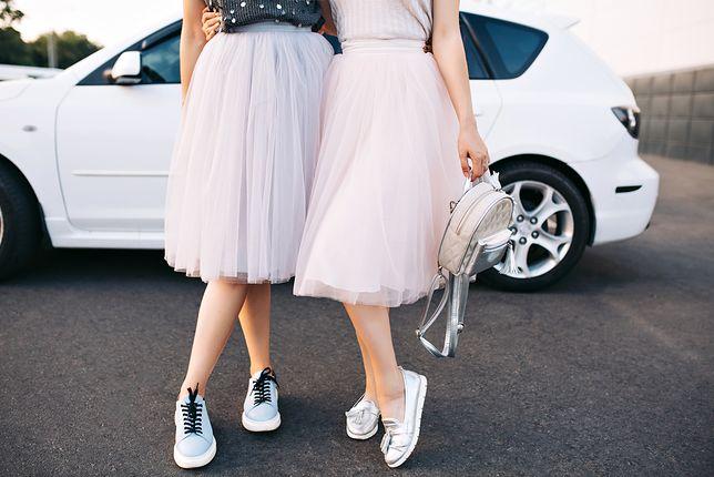 Z czym nosić spódnicę tiulową?