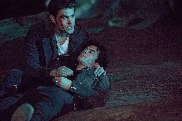 Pamiętniki wampirów sezon 8, odcinek 14: To była niezła jazda (It's Been a Hell of a Ride)