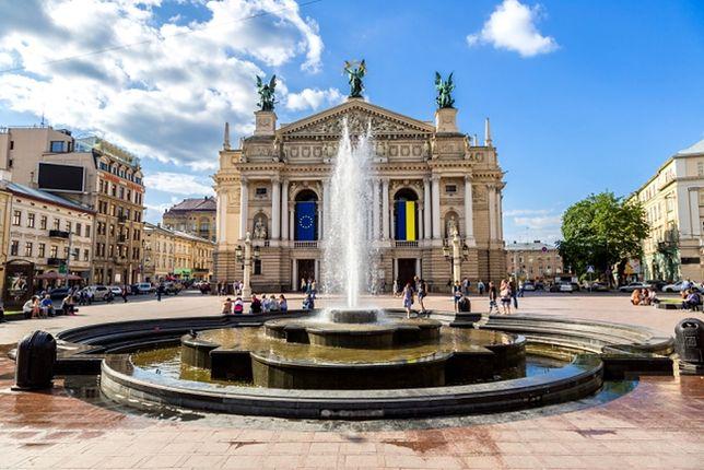 Opera Lwowska, Lwów, Ukraina (fot. S-F / Shutterstock.com)