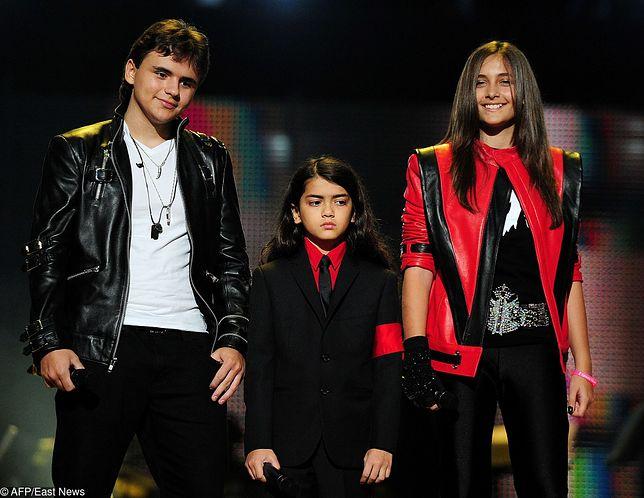 Synowie Michaela Jacksona na wspólnym zdjęciu. Rzadki widok