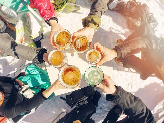 Pijani narciarze i awantury przy bramkach. Grudniowa codzienność na stokach to dramat