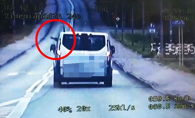 Kierowca myślał, że nikt go nie widzi. Zapłacił 200 zł