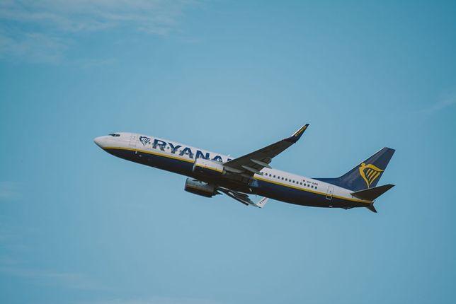 LOT i Ryanair. Wracają połączenia samolotowe. Będą tez ostre restrykcje sanitarne.