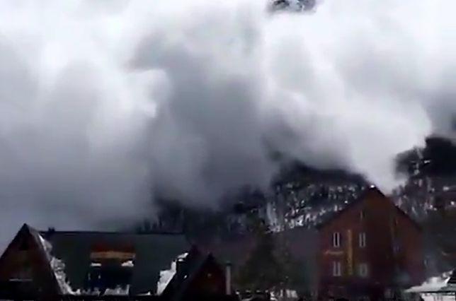 Potężna lawina o włos minęła narciarski kurort w Rosji