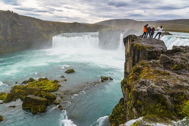 Nad wodospadem Goðafoss