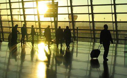 33 pasażerów lotu do Londynu nie zdążyło na czas przejść kontroli SG