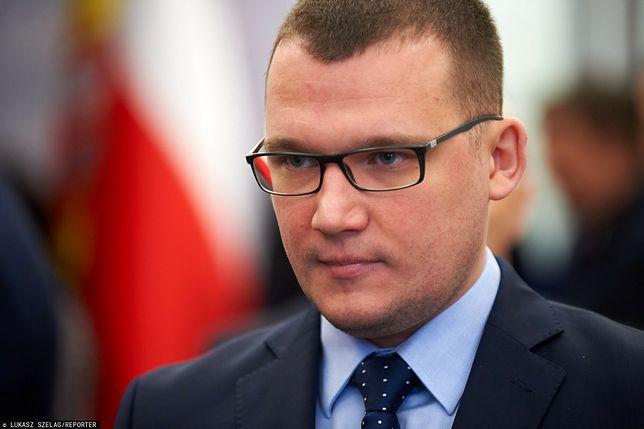 Zamieszki w USA. Paweł Szefernaker przypomniał sytuację z pasztetem jedzonym przez członków opozycji w wigilię w Sejmie w 2016 r.