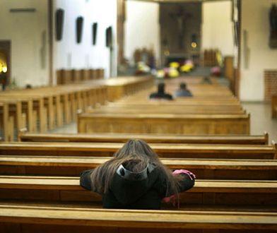 Dziadkowie próbują zachęcić swoje wnuki do religijności