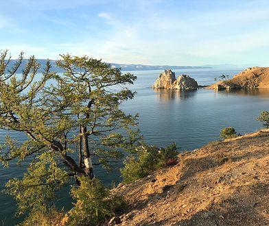 Skała szamana na Wyspie Olchon