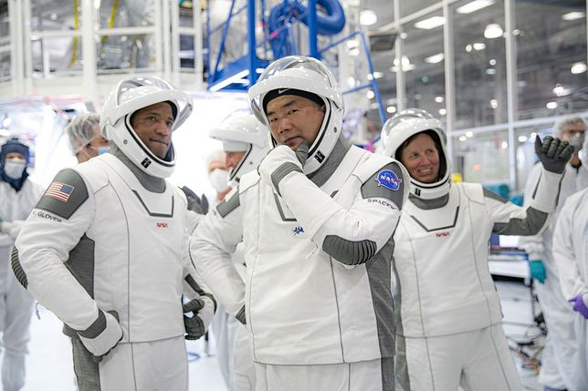 Astronauci NASA i JAXA