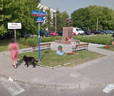 Zdaniem bemowskich radnych z PiS przy pomniku nie ma już miejsca na dodatkową drogę dla rowerów
