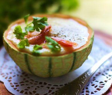 Zupa krem z melona z mleczkiem kokosowym i krewetkami
