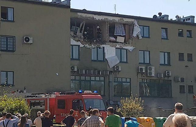 Sucha Beskidzka: eksplozja butli z gazem w mieszkaniu. Runęła część ściany budynku