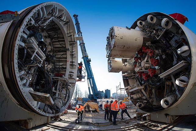 Warszawa. Tarcze do drążenia tunelu metra zejdą niebawem pod ziemię