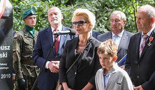 """Joanna Racewicz, żona zmarłego w katastrofie smoleńskiej kpt. Pawła Janeczka z BOR powiedziała, że """"najpiękniejszym pomnikiem jej męża jest ich syn, Igor Janeczek"""""""