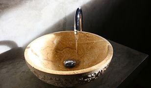 Marmurowa umywalka będzie elegancką ozdobą nowoczesnej łazienki