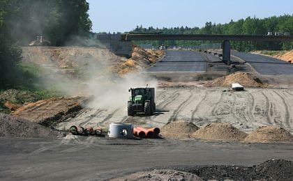 W Polsce można budować drogi o 20-30 proc. krócej