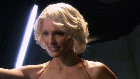 StarCraft II: Tricia Helfer jako Sarah Kerrigan