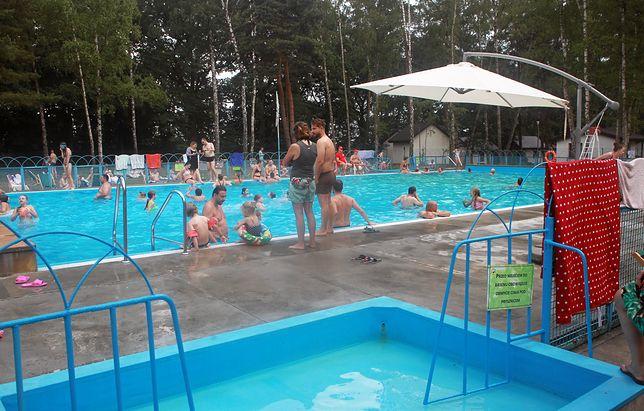 Zamknięty basen w Powsinie