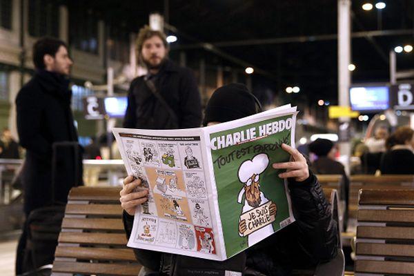 """Nowy numer """"Charlie Hebdo"""" -  o tym mówi cały świat"""