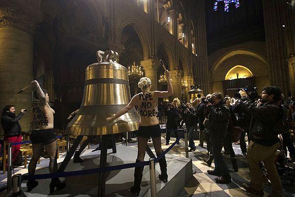 Sąd w Paryżu uniewinnił działaczki Femenu, oskarżone o wandalizm w katedrze Notre Dame