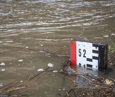 Pogoda. Rzeki zaczynają przekraczać stany alarmowe. Na Bałtyku sztorm