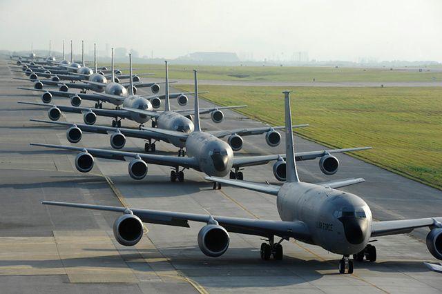 Podniebne manewry amerykańskiego lotnictwa