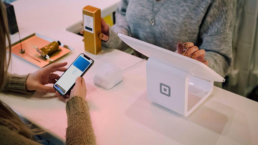 iPhone jako terminal płatniczy? Apple kupił ciekawy startup