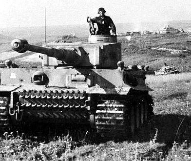 """Tygrysy z dywizji pancernej Waffen-SS """"Rzesza"""" w czasie Bitwy na Łuku Kurskim. Lipiec 1943 r."""