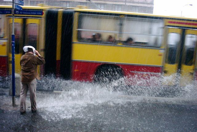 Gwałtowne załamanie pogody w całym kraju. Ostrzeżenia na dwa dni