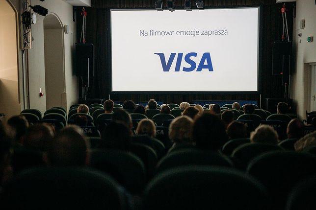 Kino objazdowe VISA: na zdjęciu  widownia Pińczów