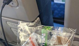 Matka lecąca z dzieckiem przygotowała paczki z upominkami dla współpasażerów. Docenili jej gest