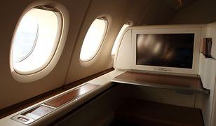 Pasażerka klasy ekonomicznej była oburzona zachowaniem współpasażerów