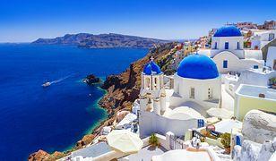 Santorini charakteryzuje się specyficzną, przykuwającą wzrok zabudową