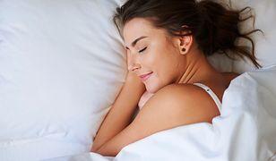 """W """"czystym spaniu"""" liczy się wypracowanie własnej rutyny."""