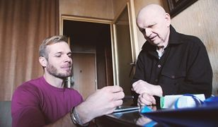 Tomasz Ciachorowski pomaga potrzebującym