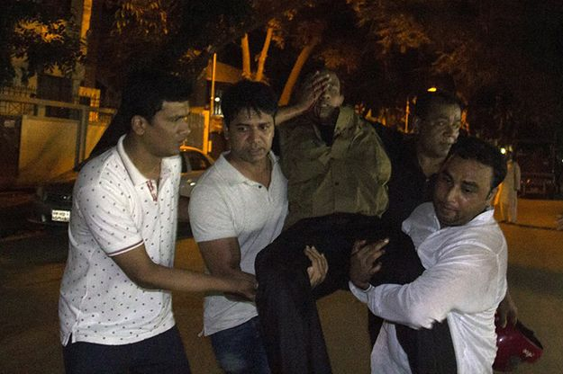 Bangladesz: terroryści zabili w restauracji 20 ludzi