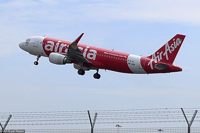 Samolot Airbus A320 linii Airasia stanął w płomieniach.