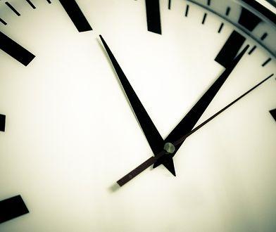 Zmiana czasu na zimowy 2019. Przestawianie zegarków wkrótce przejdzie do historii