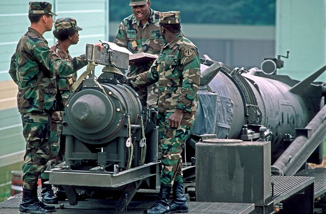Amerykańscy żołnierze 30 la temu demontowali rakiety Pershing II w Europie